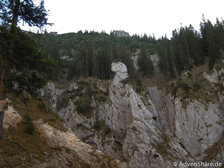 Gelbe Wand Steig-10 (Large)